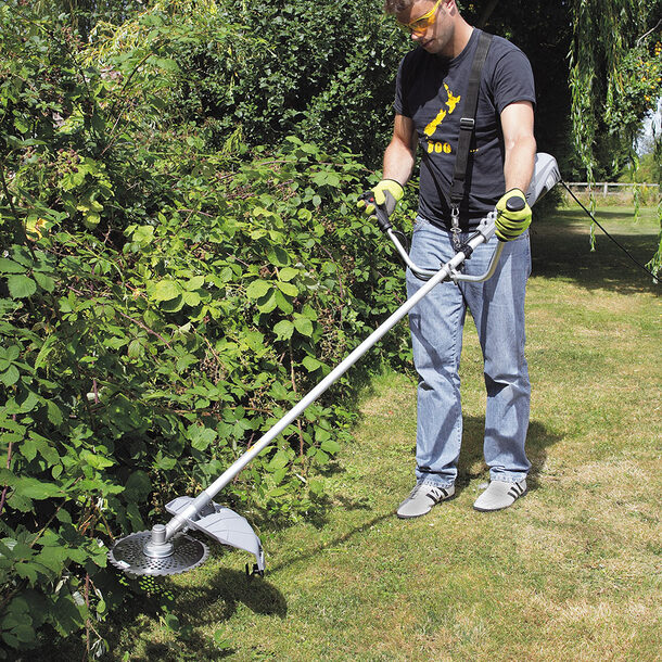 1.4kW Brush Cutter & Grass Trimmer